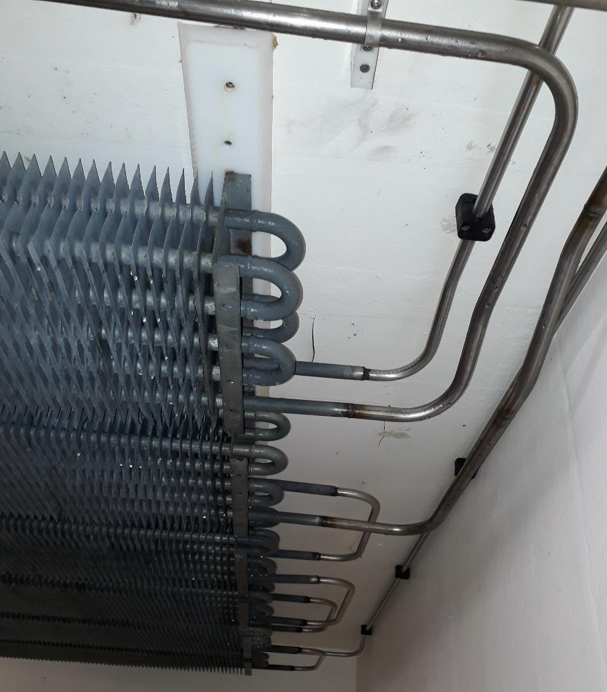 Eksisterende køleelementer genbrugt.